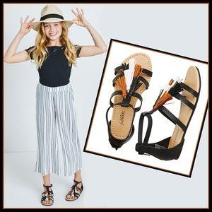 New! Fab kids Boho style Tassel sandles Sz 5